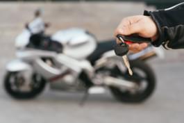 Moto y llave moto de arrendamiento