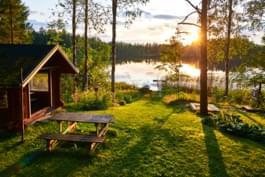 Auszeit an einem See in Finnland