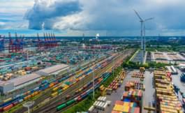 Blick über Hamburgs Hafen