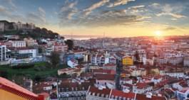 En voiture de location à Lisbonne