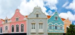 Bunte Häuser in Oranjestad