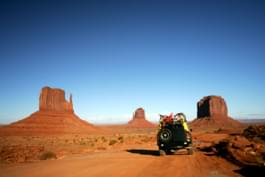Mietwagen im Monument Valley