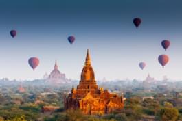 Heißluftballons über Bagan, Myanmar