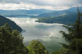 lac amatitlan guatemala
