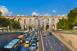 Traffico stradale a Istanbul, Turchia