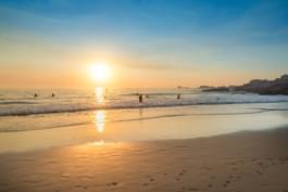 Atardecer en la playa de Western Cape, África