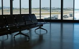 Flughafenhalle Lissabon Flughafen