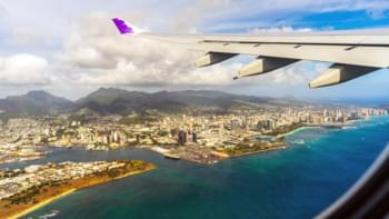 Flugzeug über Hawaii