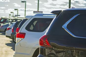 Parcheggio auto a noleggio