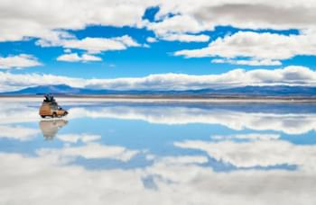 Discover the Salar de Uyuni by rental car
