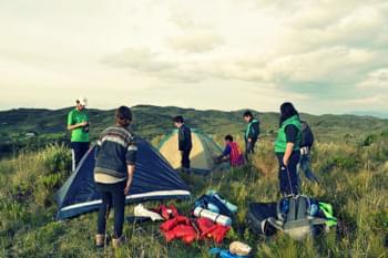 Die Reisenden beim Zelten in Peru