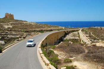 Guidare a Malta