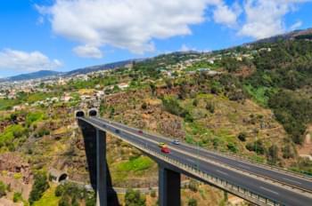 Straße Richtung Funchal, Madeira