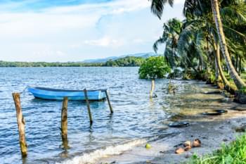Livingstone plage bateau guatemala
