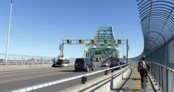 Alquiler de coches en el puente de Montreal