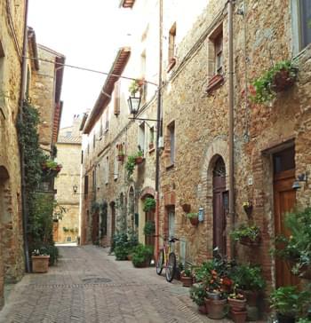Straße in Pienza Italien