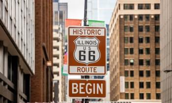 Schild Route 66 in Chicago, USA