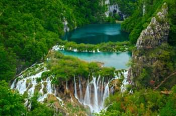 Mit dem Mietwagen zum Wasserfall in Kroatien