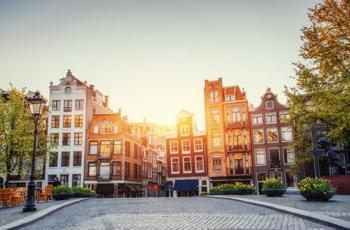 Callejones en el casco antiguo de Amsterdam