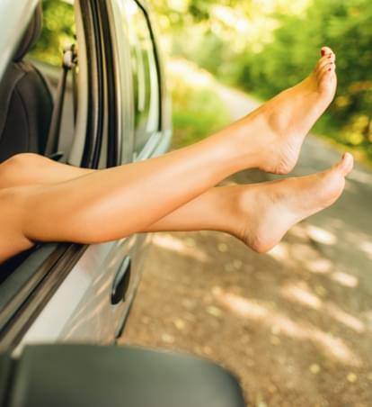 Nackt im Mietwagen: Erlaubt oder Straftat?