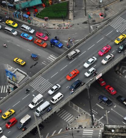 10 stressige Situationen im Straßenverkehr - So werden Ihre Autofahrten entspannter