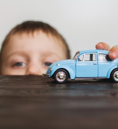 Kindersicherheit im Auto: Kindersitz, Babyschale und Co.