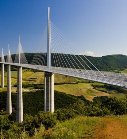 Erlebnisreiche Brückenfahrt: Die höchste Autobahnbrücke der Welt