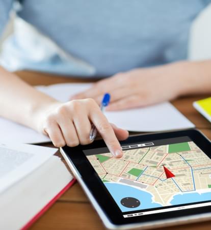 Optimierte Mietwagen-Suche: Alternative Anmietstationen auf interaktiver Karte