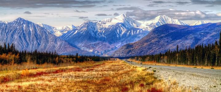 Yukon route Canada montagne