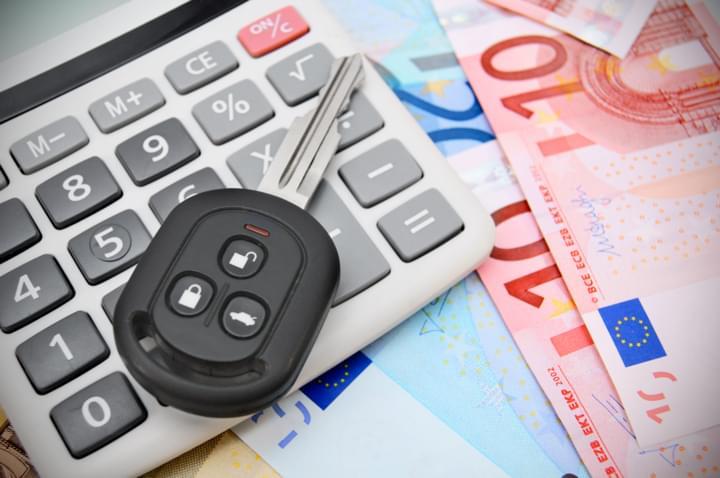 Berechnung der Kosten für den Mietwagen ab 18