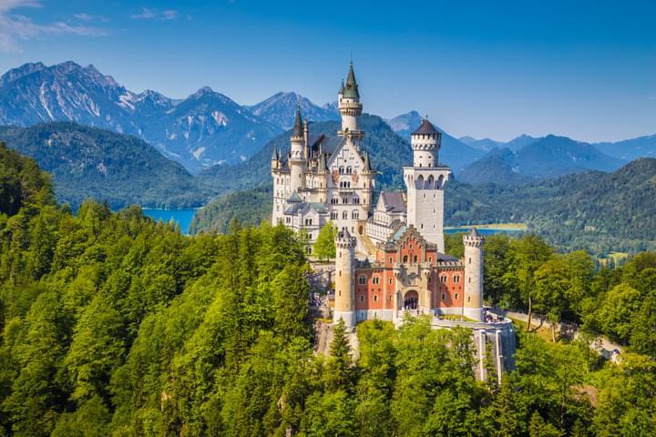 Voyage en voiture de location au château de Neuschwanstein.