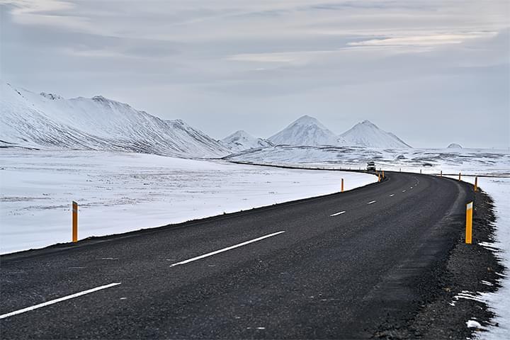 Esplora l'Islanda con un'auto a noleggio
