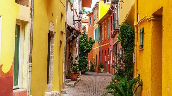 Gasse in der Altstadt von Nizza