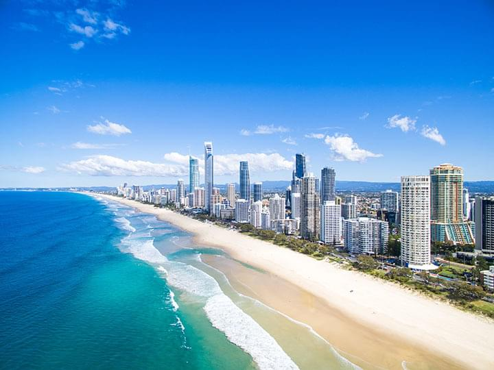Tagesausflug mit dem Mietwagen nach Surfers Paradise in Queensland, Australien