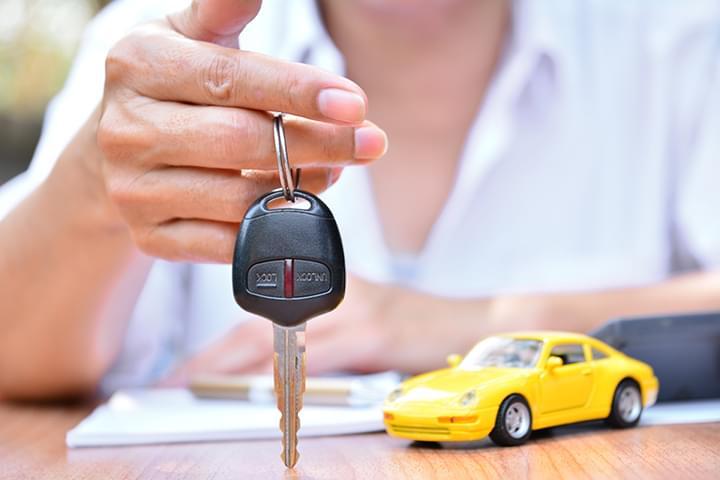 Übergabe Schlüssel Mietwagen
