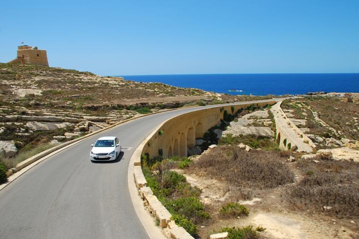 Conduciendo en Malta