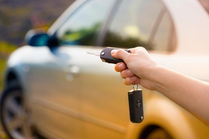 Autoschlüssel und Auto