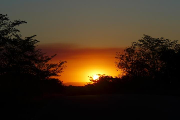 Sonnenuntergang mit dem Mietwagen