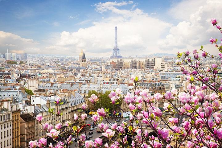 Paris im Frühling mit dem Mietwagen erkunden
