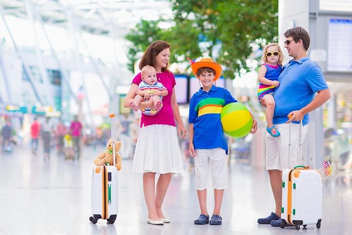 Familia en el Aeropuerto de Düsseldorf