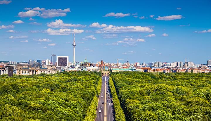 Descubra Berlin con un carro de arrendamiento