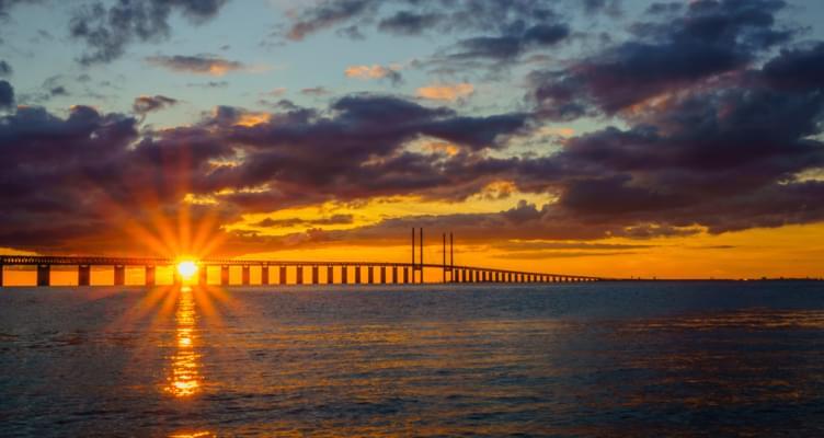 Erlebnisreiche Brückenfahrt: Eine Fahrt über und unter der Ostsee
