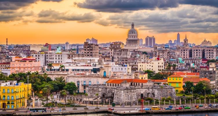 Roadtrip Kuba - Nostalgie und Lebensfreude zwischen Oldtimern, Salsa, Rum und Zigarren